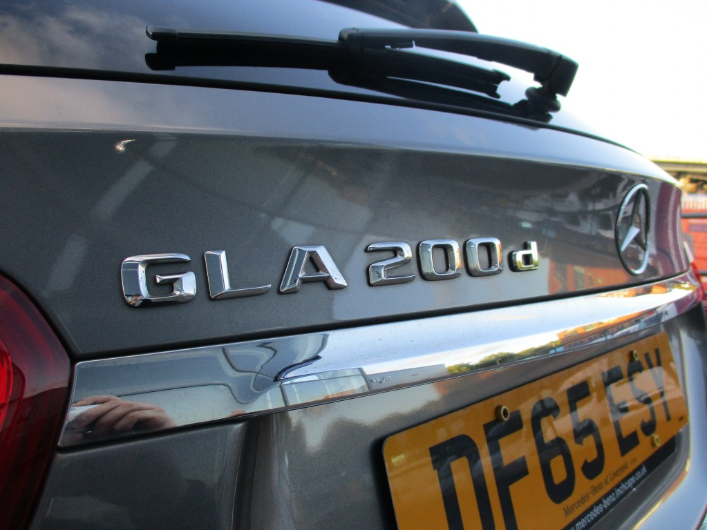 MERCEDES-BENZ GLA-CLASS 2.1 GLA 200 D AMG LINE 5DR  AUTOMATIC