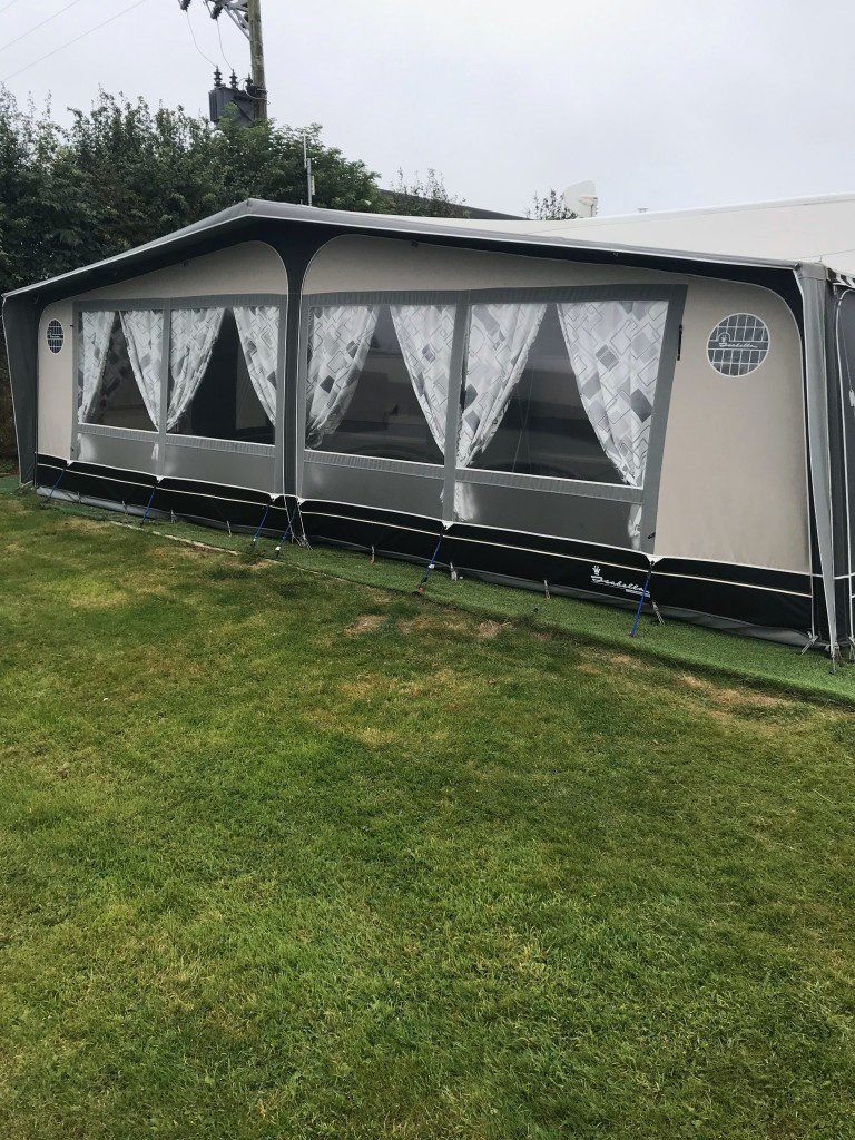 HOBBY 720 ukfe with Isabella 3mts awning
