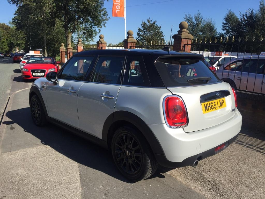 MINI HATCH 1.5 COOPER D 5DR
