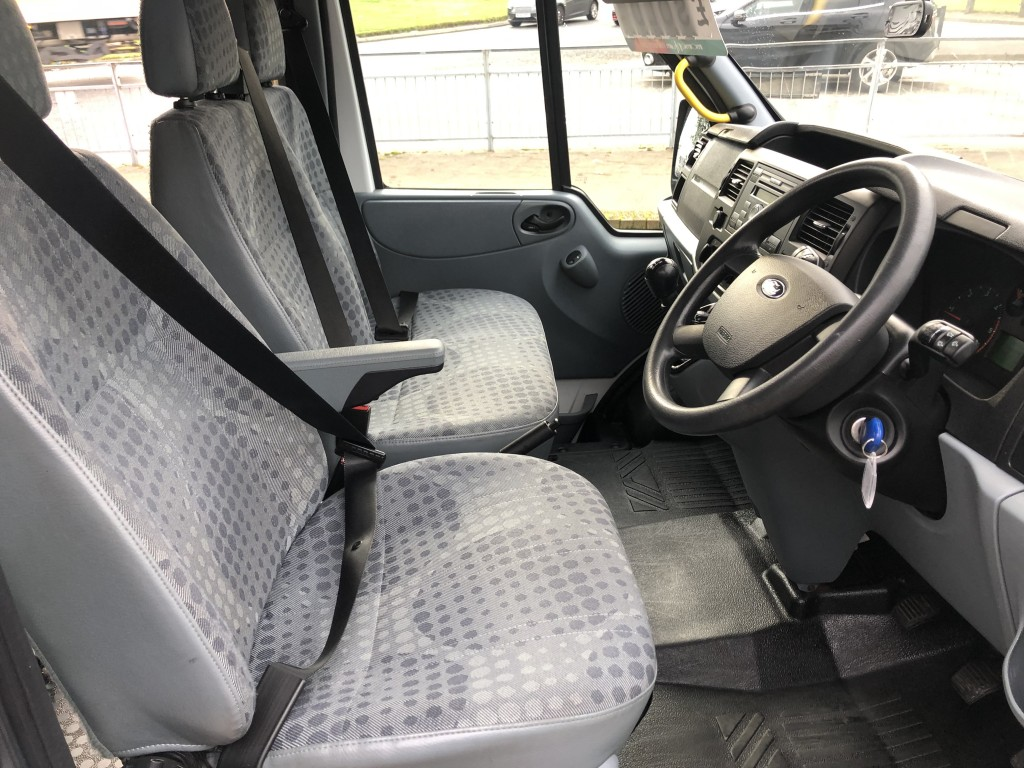 FORD TRANSIT 2.2 430 SHR BUS 17 STR