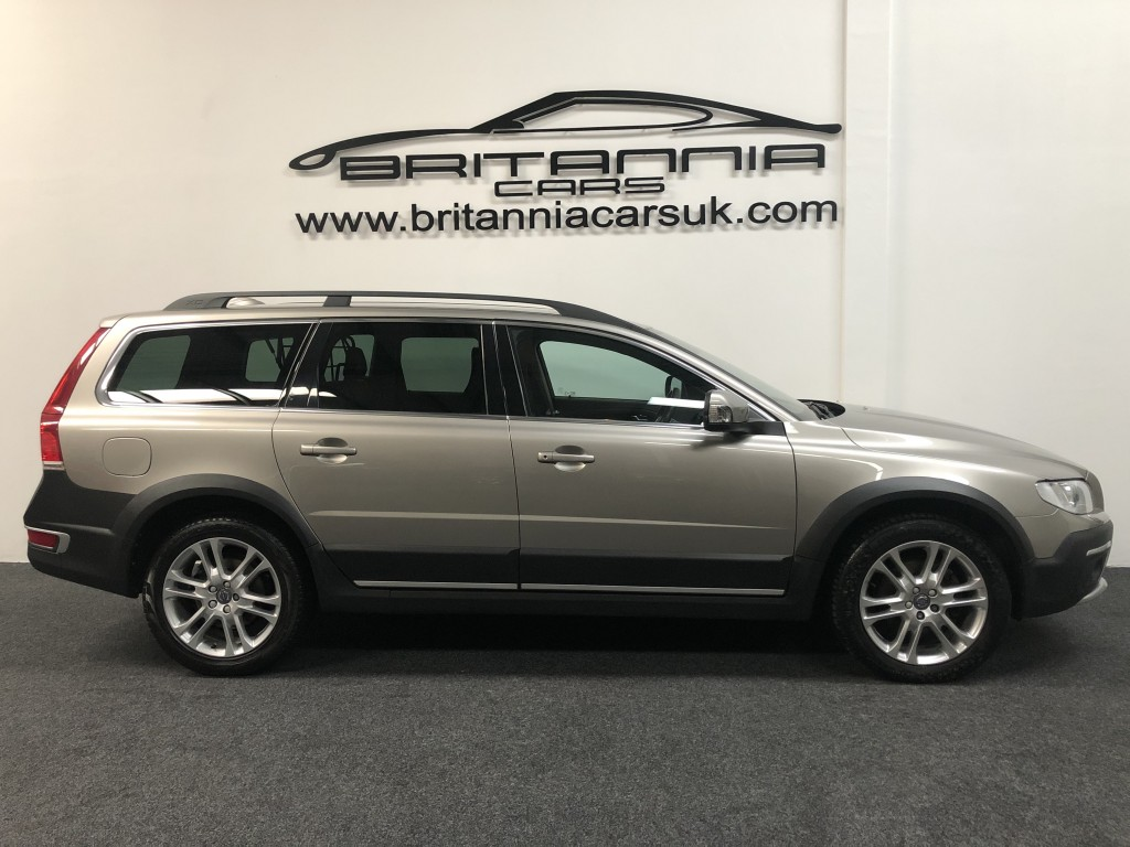VOLVO XC70 2.4 D5 SE LUX AWD 5DR AUTOMATIC