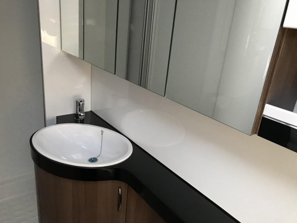 HOBBY Prestige 560 wlu 4 berth Fixed bed and bathroom new 2020