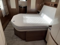 HOBBY Prestige 720 WQC Fixed island bed end bathroom new 2020