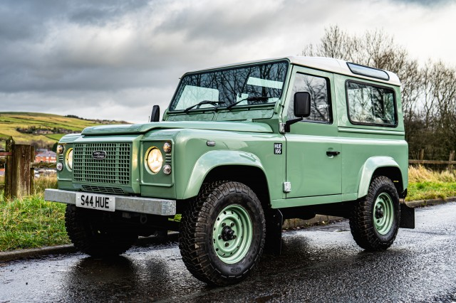 Used LAND ROVER DEFENDER 2.5 90 TD5 CSW in Lancashire