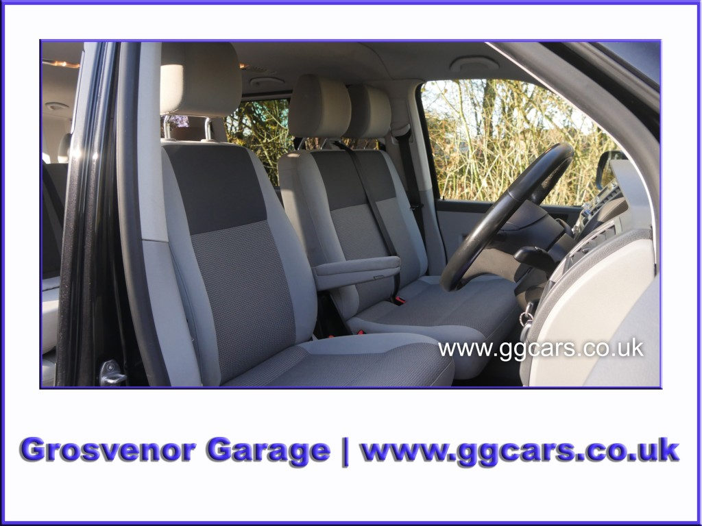 VOLKSWAGEN TRANSPORTER 2.0 T30 TDI SHUTTLE SE 5DR AUTOMATIC