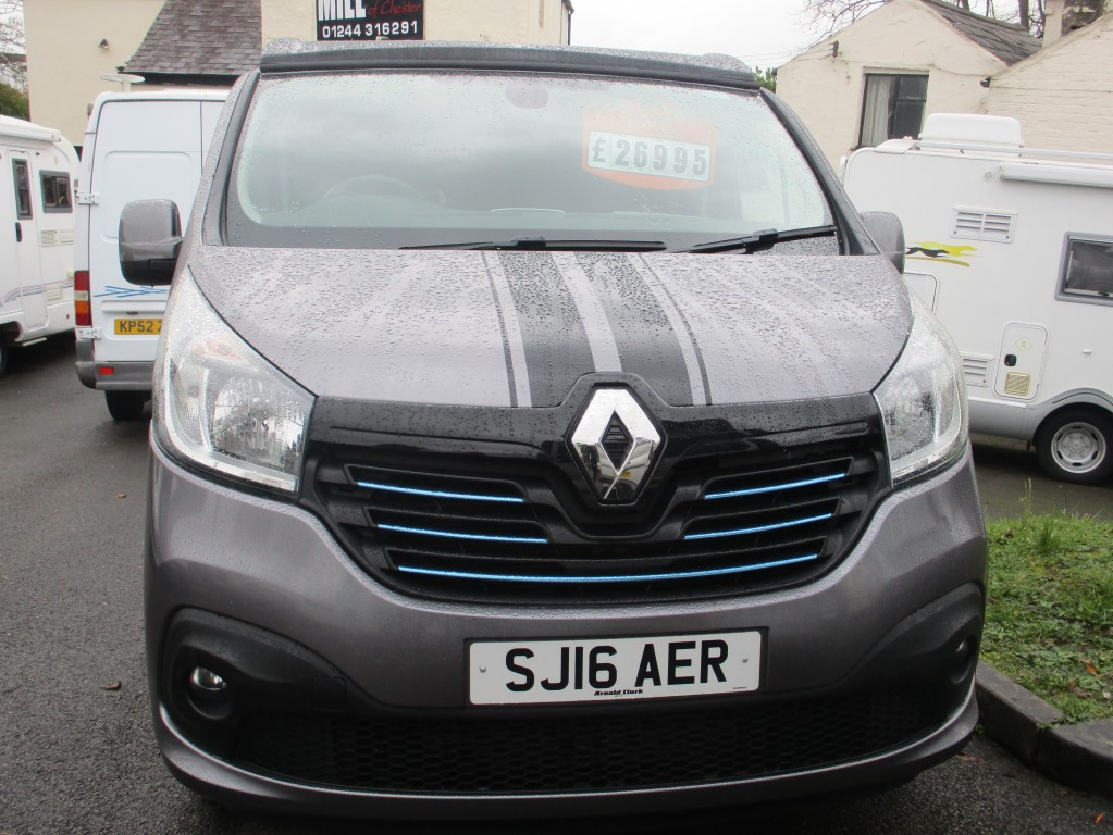 RENAULT TRAFIC SPORT