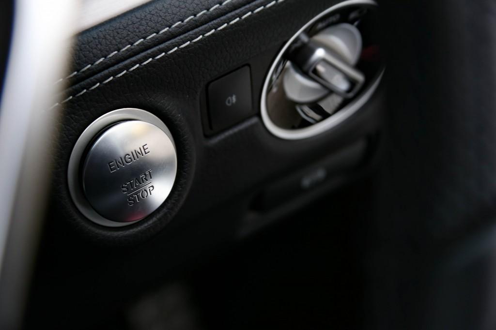 MERCEDES-BENZ SL 4.7 SL500 AMG LINE SPORT PACKAGE AUTO 7G-RONIC PLUS
