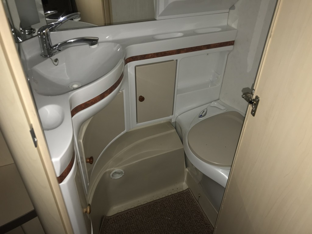 HOBBY 575 VIP 4 berth Fixed island bed 15 months warranty