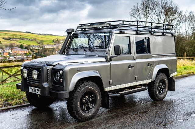 Used LAND ROVER DEFENDER  2.4 110 TDI XS UTILITY WAGON DCB in Lancashire