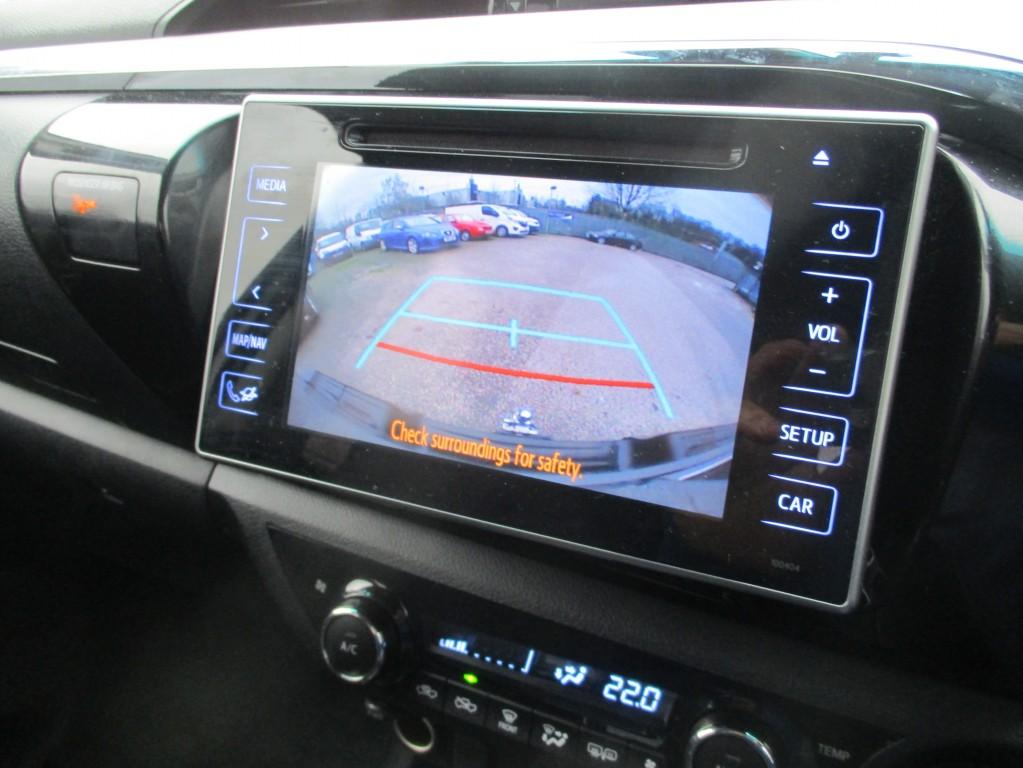 TOYOTA HI-LUX 2.4 INVINCIBLE 4WD D-4D DCB AUTOMATIC