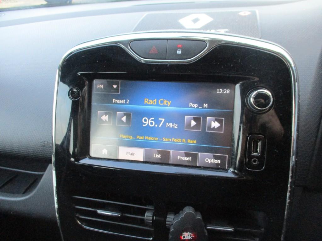 RENAULT CLIO 1.1 DYNAMIQUE MEDIANAV 5DR