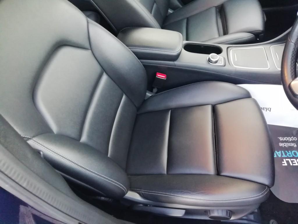 MERCEDES-BENZ A-CLASS 1.5 A 180 D SE 5DR SEMI AUTOMATIC