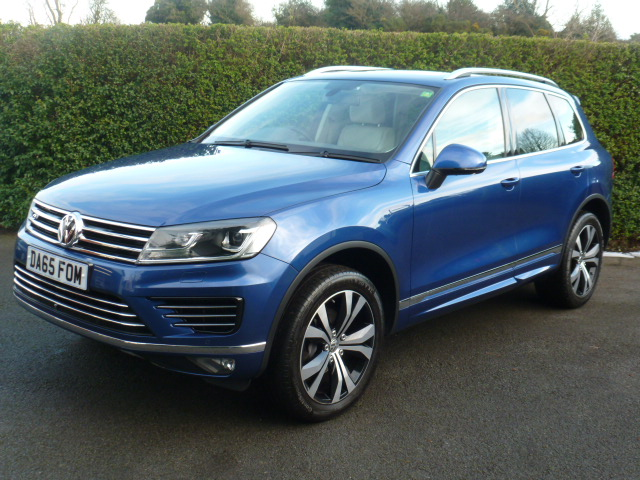 VOLKSWAGEN TOUAREG 3.0 V6 R-LINE TDI BLUEMOTION TECHNOLOGY 5DR AUTOMATIC