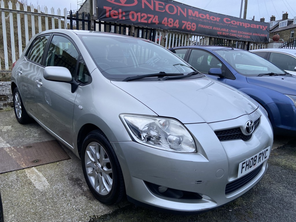 Used TOYOTA AURIS 1.6 T3 VVT-I 5DR in West Yorkshire