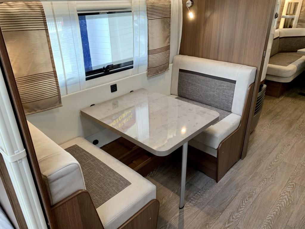 HOBBY PRESTIGE 720 ukfe 7 berth Fixed bunkbeds and double
