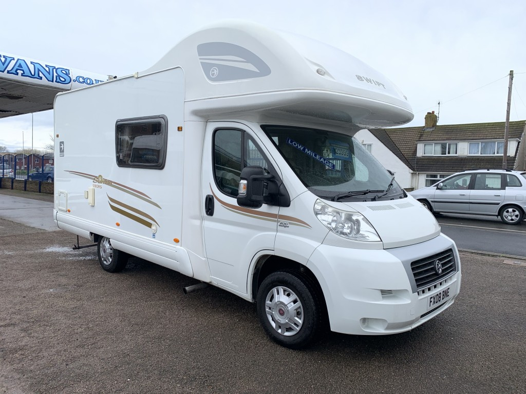 SWIFT SUNTOR 590 RS 5 berth Low miles 15 months warranty