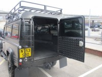 LAND ROVER DEFENDER 110 2.5 TD STATION WAGON 5DR
