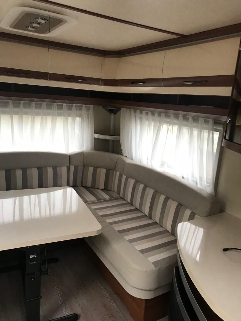 HOBBY 695 island bed