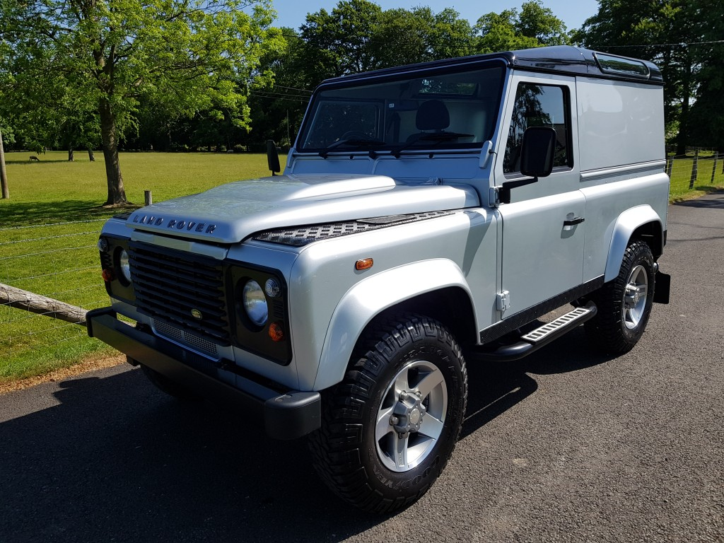 LAND ROVER 90 DEFENDER 2.2 TD COUNTY HARD TOP