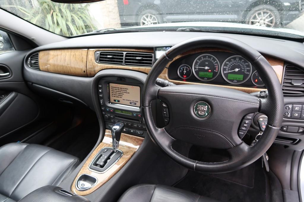 JAGUAR S-TYPE V8 SE 4.2 V8 SE 4DR AUTOMATIC