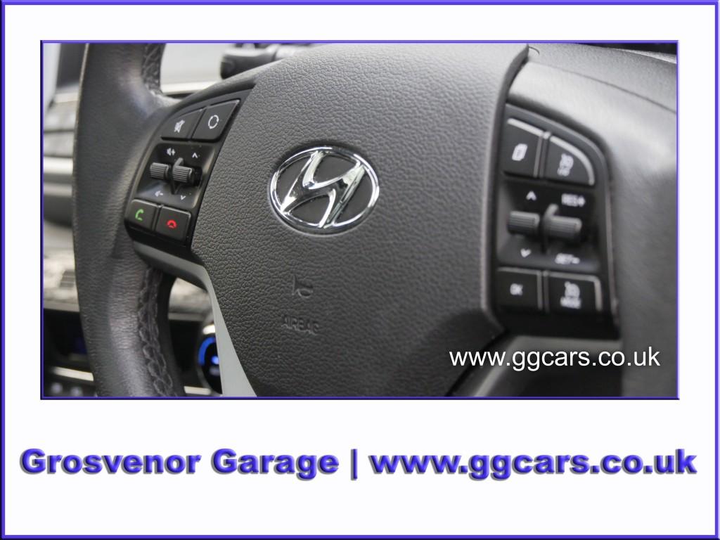HYUNDAI TUCSON 1.7 CRDI PREMIUM SE BLUE DRIVE 5DR SEMI AUTOMATIC