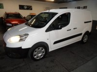 PEUGEOT PARTNER 1.6 HDI S L1 850 92ps side loading door twin solid rear doors ply lined and carpeted only had light