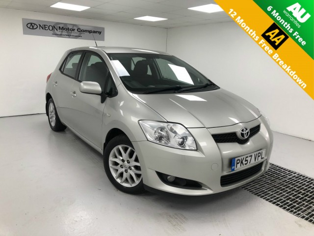 Used TOYOTA AURIS 1.6 TR VVT-I 5DR in West Yorkshire