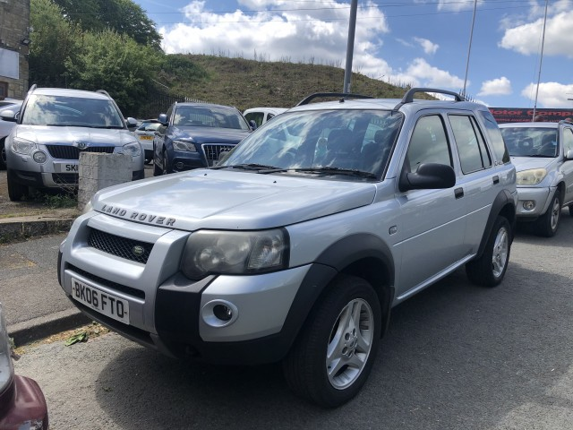 Used LAND ROVER FREELANDER 2.0 TD4 FREESTYLE 5DR in West Yorkshire