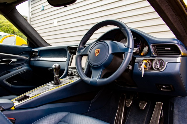 2014 (14) PORSCHE 911 3.8 CARRERA 4S 2DR | <em>35,214 miles