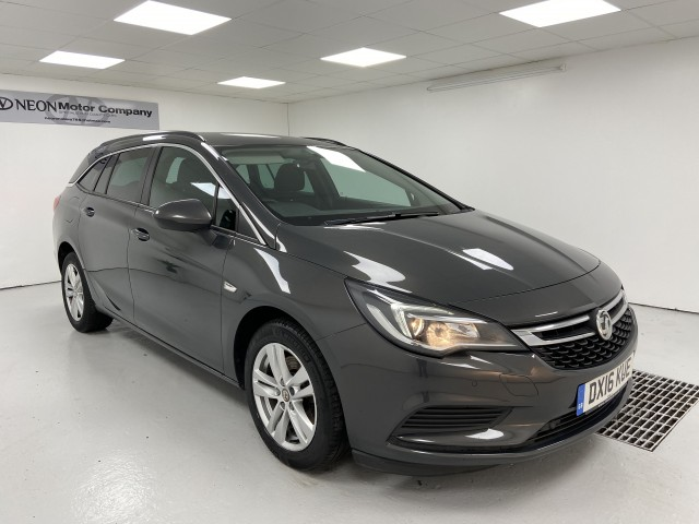 Used VAUXHALL ASTRA 1.6 TECH LINE CDTI ECOFLEX S/S 5DR in West Yorkshire