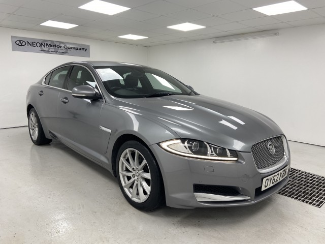 Used JAGUAR XF 3.0 V6 PREMIUM LUXURY 4DR AUTOMATIC in West Yorkshire