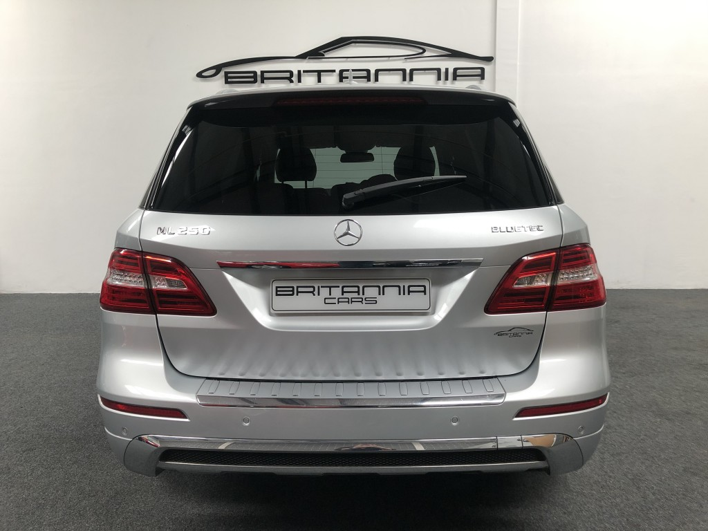 MERCEDES-BENZ M CLASS 2.1 ML250 BLUETEC SPORT 5DR AUTOMATIC