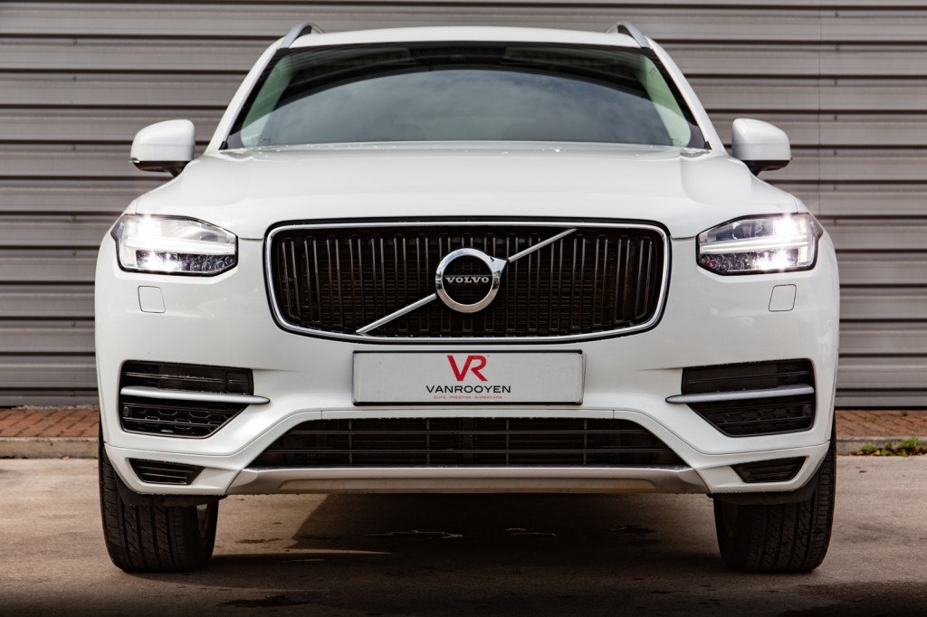VOLVO XC90 2.0 T8 TWIN ENGINE MOMENTUM 5DR AUTOMATIC
