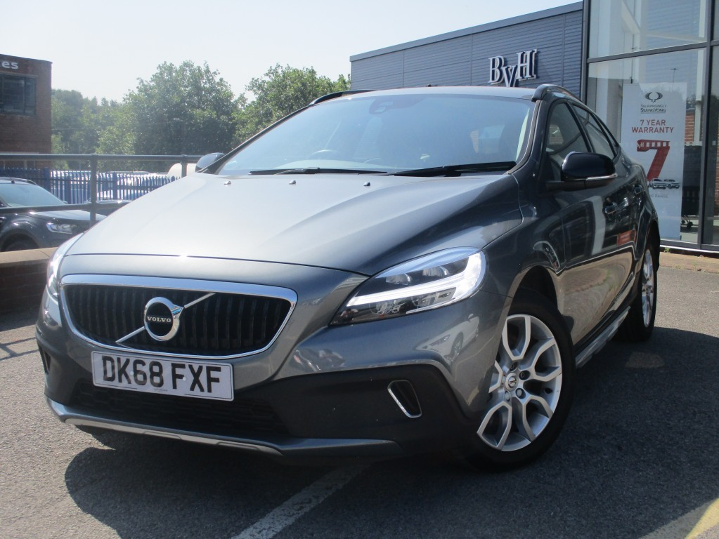 VOLVO V40 1.5 T3 CROSS COUNTRY 5DR AUTOMATIC