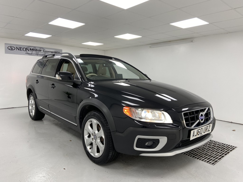Used VOLVO XC70 2.4 D5 SE LUX AWD 5DR AUTOMATIC in West Yorkshire