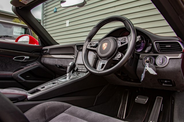 2017 (17) PORSCHE 911 3.0 CARRERA GTS PDK 2DR SEMI AUTOMATIC | <em>8,355 miles