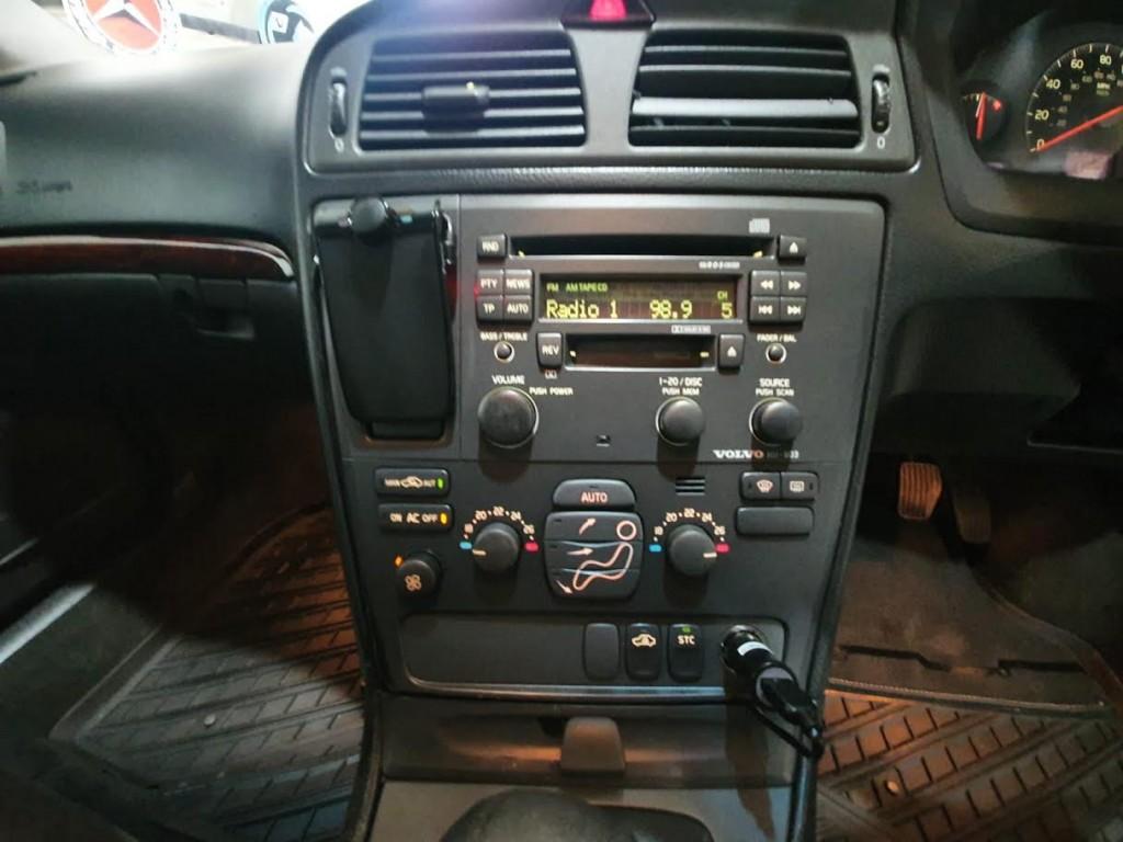 VOLVO V70 2.4 D5 S 5DR