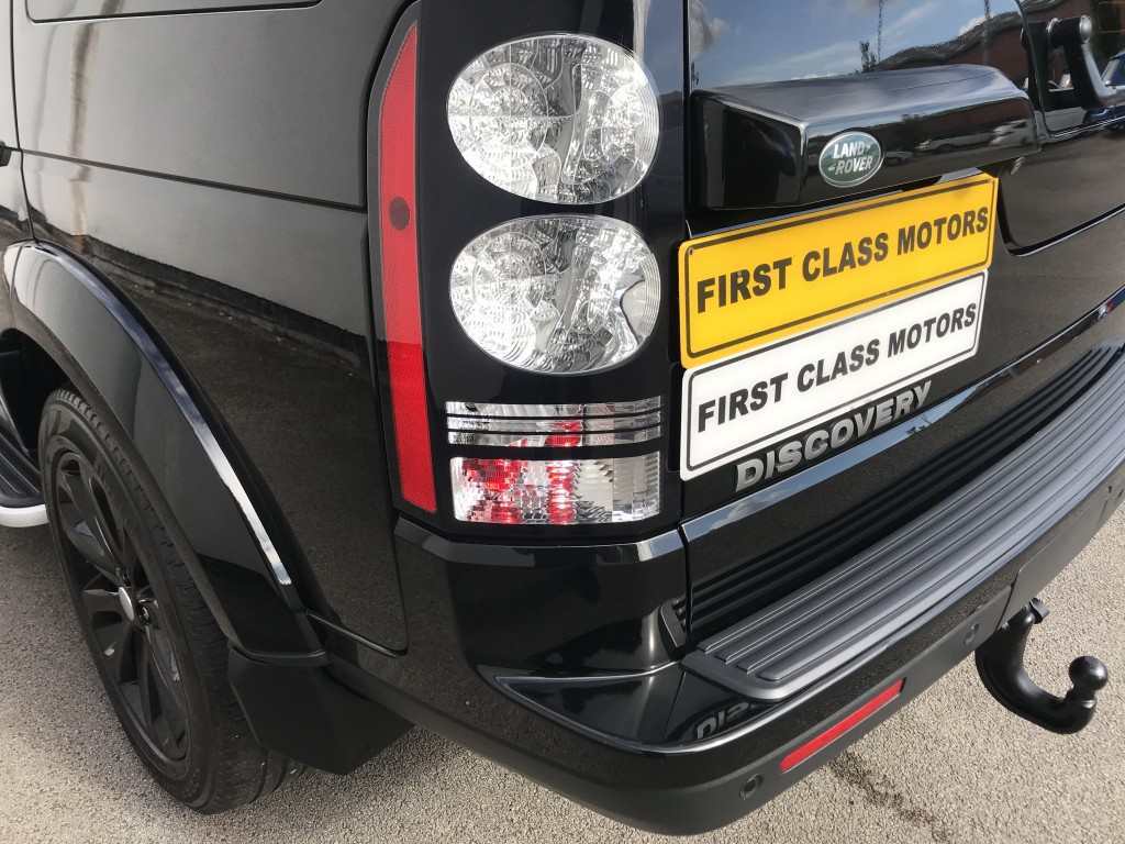 LAND ROVER DISCOVERY 3.0 SDV6 SE TECH 5DR AUTOMATIC