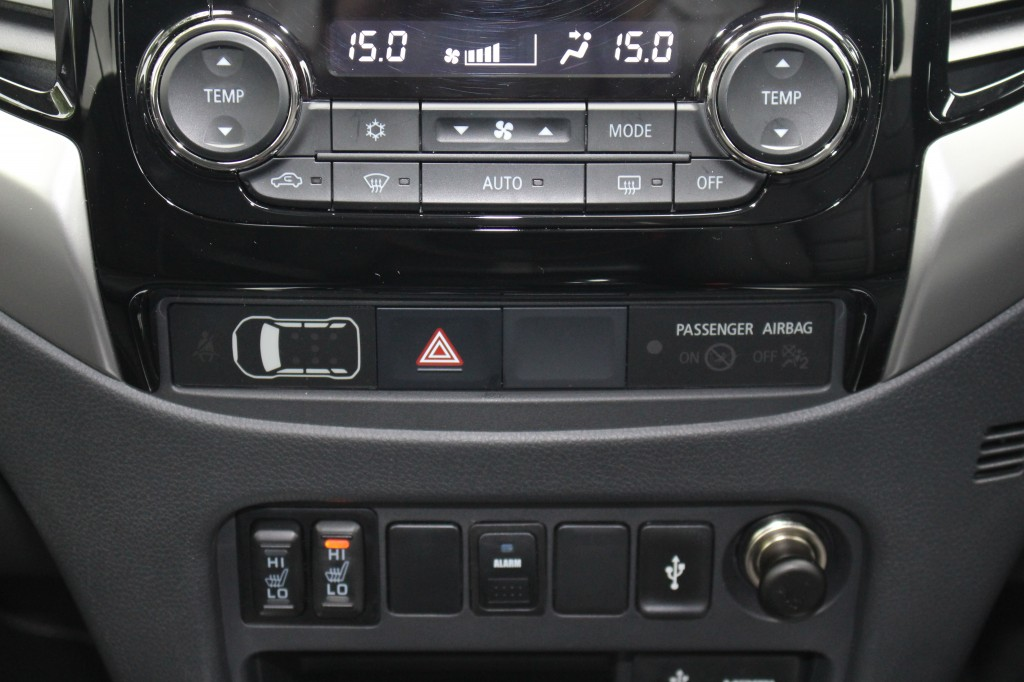 MITSUBISHI L200 2.4 DI-D 4WD BARBARIAN DCB