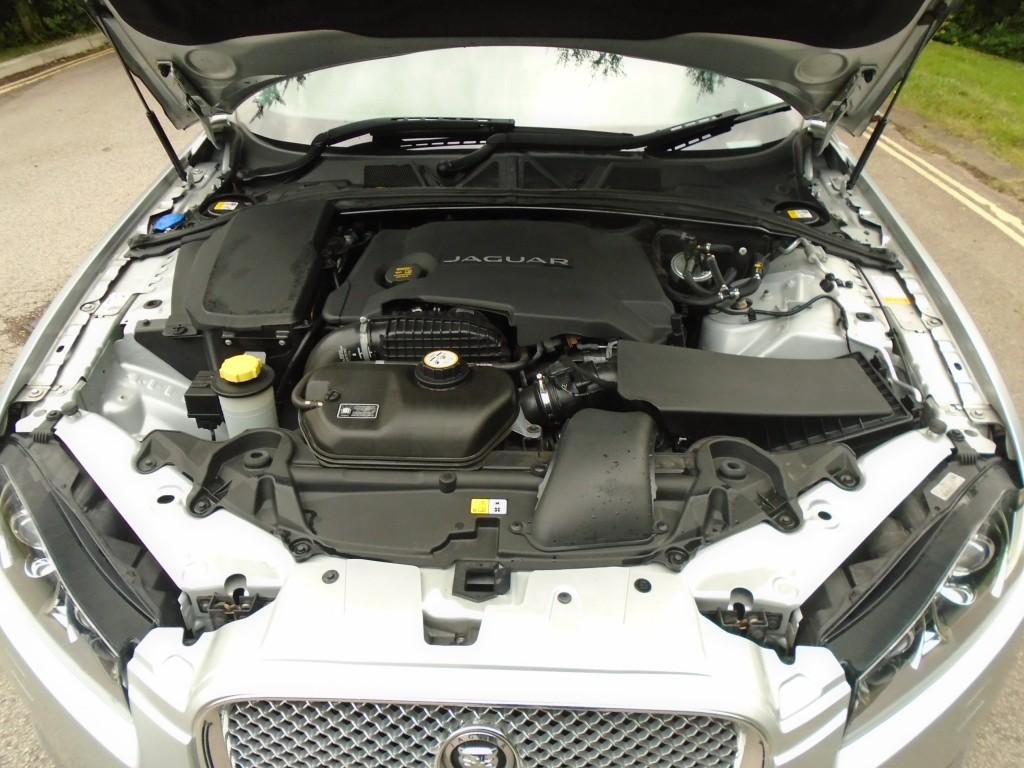 JAGUAR XF 3.0 D V6 LUXURY 4DR AUTOMATIC