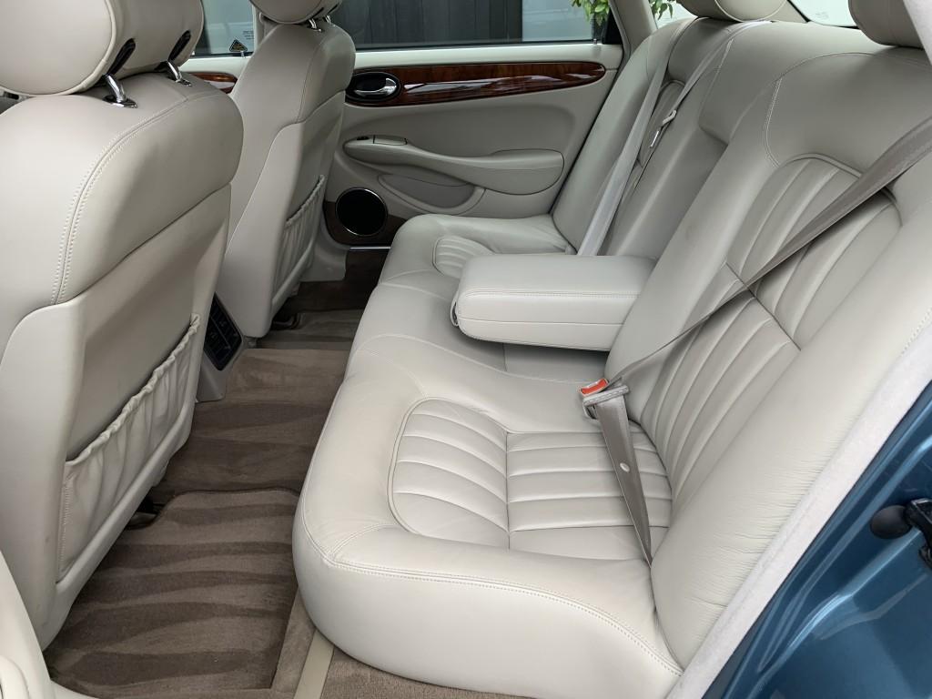 JAGUAR XJ SOVEREIGN V8 3.2  V8 4DR AUTOMATIC