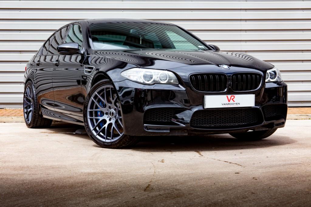 BMW M5 4.4 M5 4DR AUTOMATIC