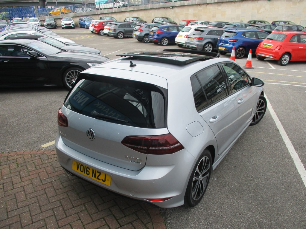 VOLKSWAGEN GOLF 2.0 R-LINE TDI BLUEMOTION TECHNOLOGY DSG 5DR SEMI AUTOMATIC