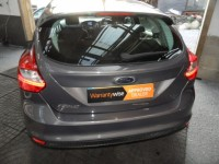 FORD FOCUS 1.6 125 TITANIUM PETROL 5 DR HATCH FSH ONLY 1 PRE OWNER GREAT SPEC DUAL ZONE A/C SONY BLUETOOTH USB