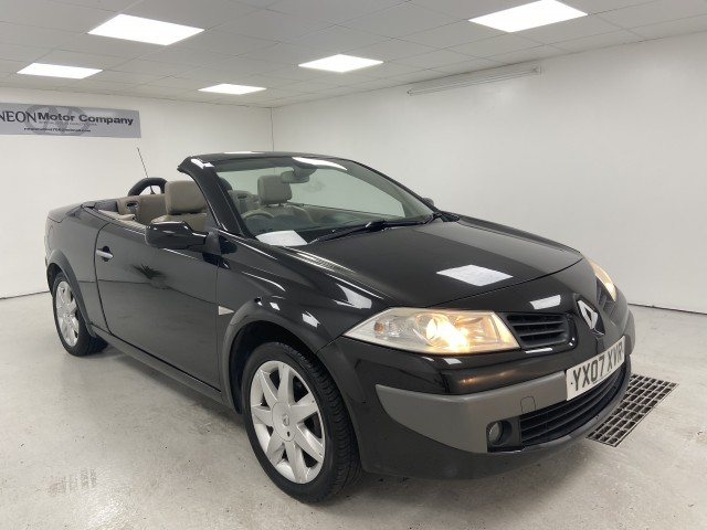 Used RENAULT MEGANE 1.6 PRIVILEGE VVT 2DR AUTOMATIC in West Yorkshire