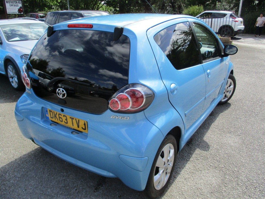 TOYOTA AYGO 1.0 VVT-I MOVE WITH STYLE MM 5DR SEMI AUTOMATIC