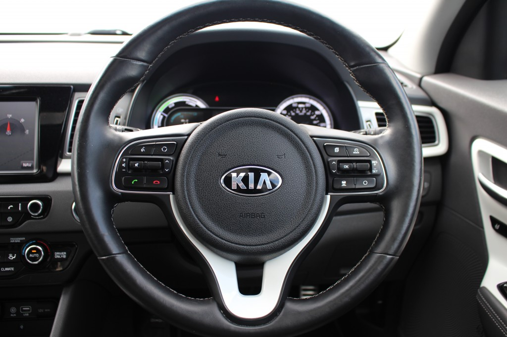 KIA NIRO FIRST EDITION 5DR AUTOMATIC
