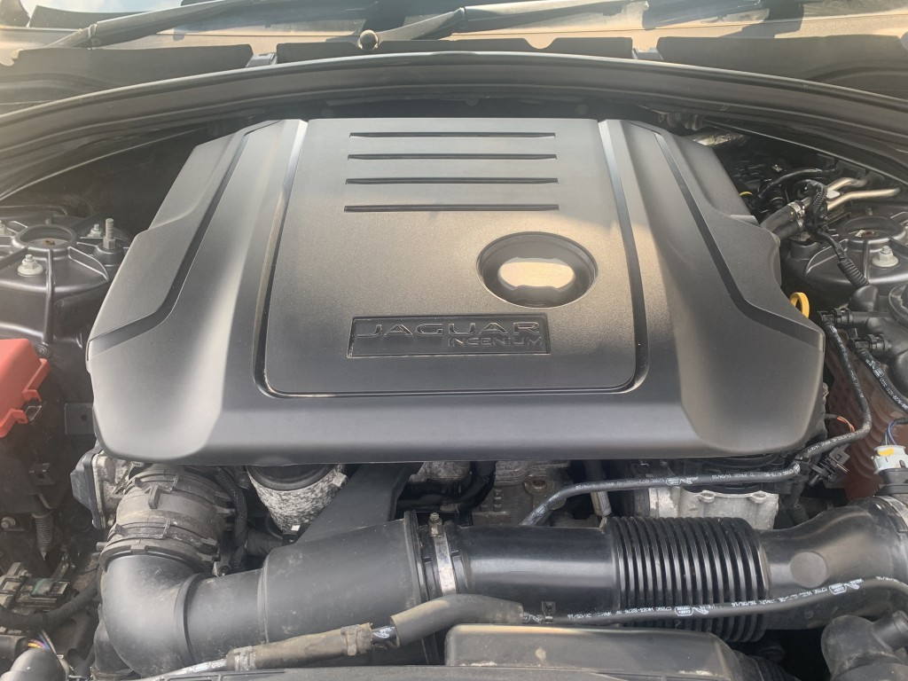 JAGUAR F-PACE 2.0 PORTFOLIO AWD 5DR