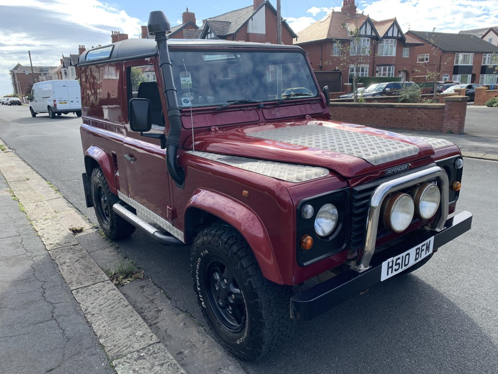 LAND ROVER DEFENDER 90 2.5 90 HARD BACK TD5 3DR