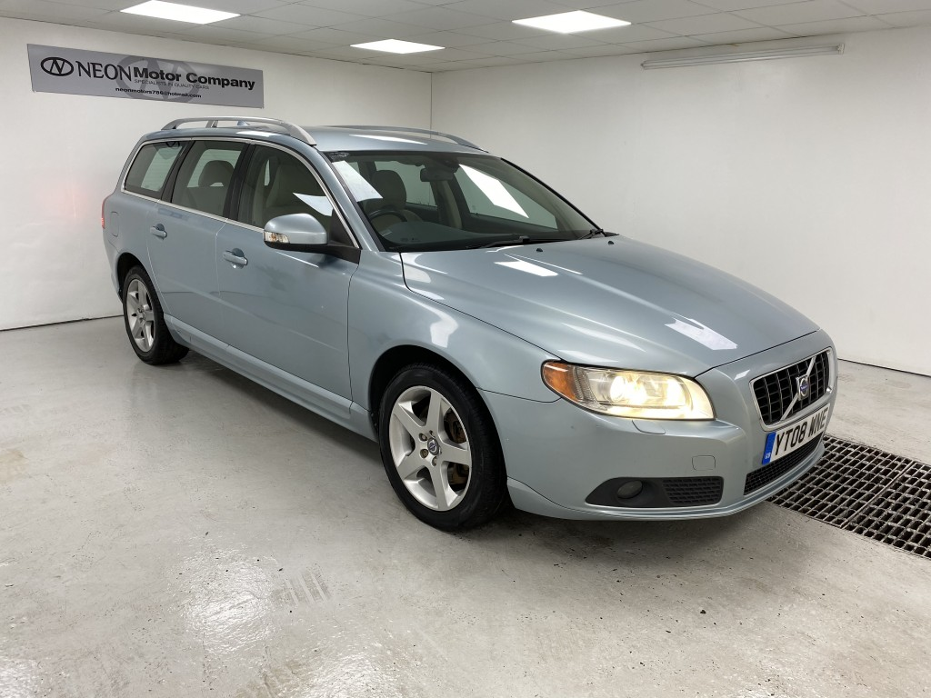 Used VOLVO V70 2.4 D5 SE LUX 5DR AUTOMATIC in West Yorkshire
